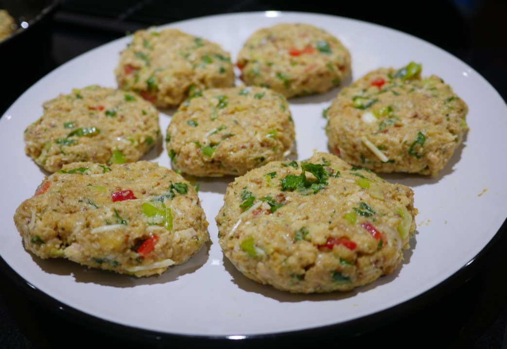 raw salmon cake patties