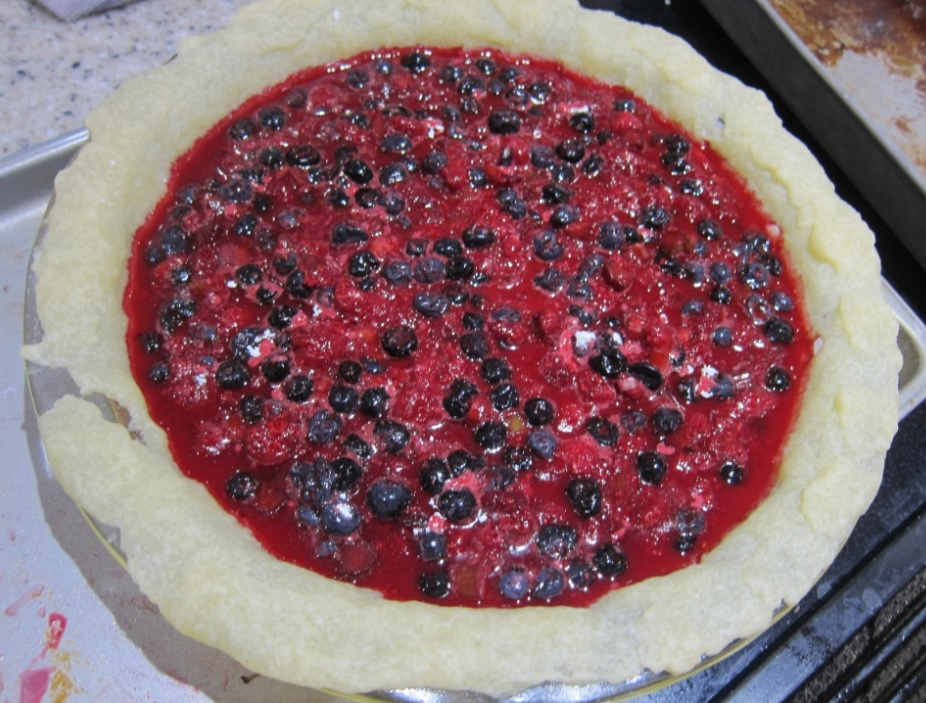 uncooked fruit pie